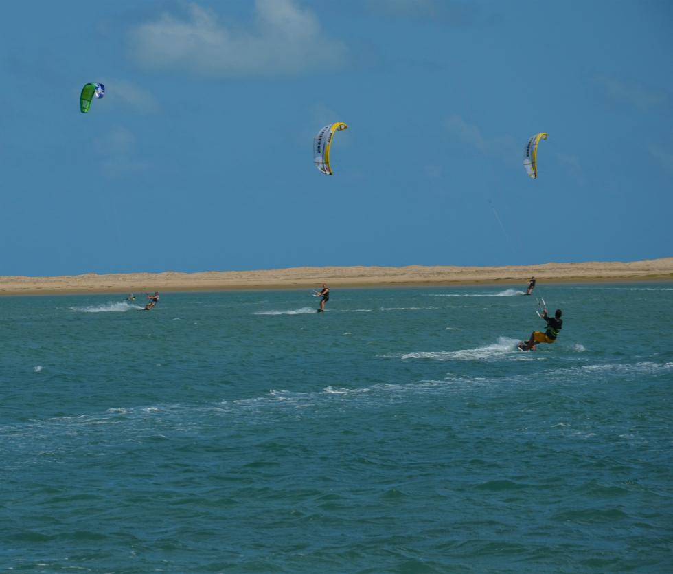 Kitesurfing in Ilha do Guajiru