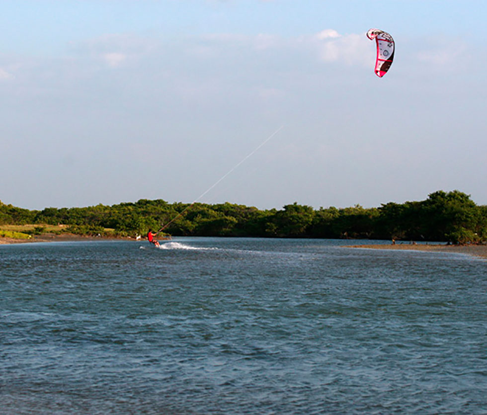 kitesurfing Tremembé
